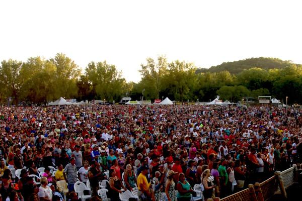 Country Jam USA Crowd