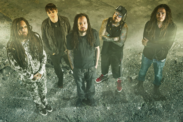 KoRn to headline 2015
