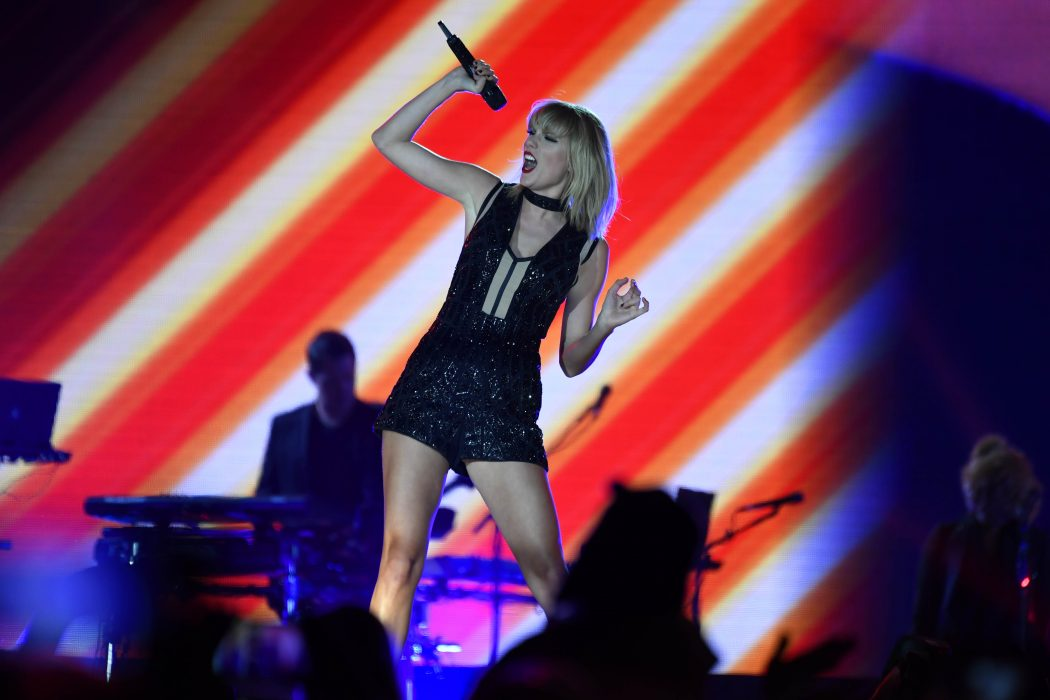 Taylor Swift dazzling at Formula 1