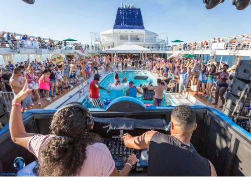 Top 10 Essentials for a Festival Cruise