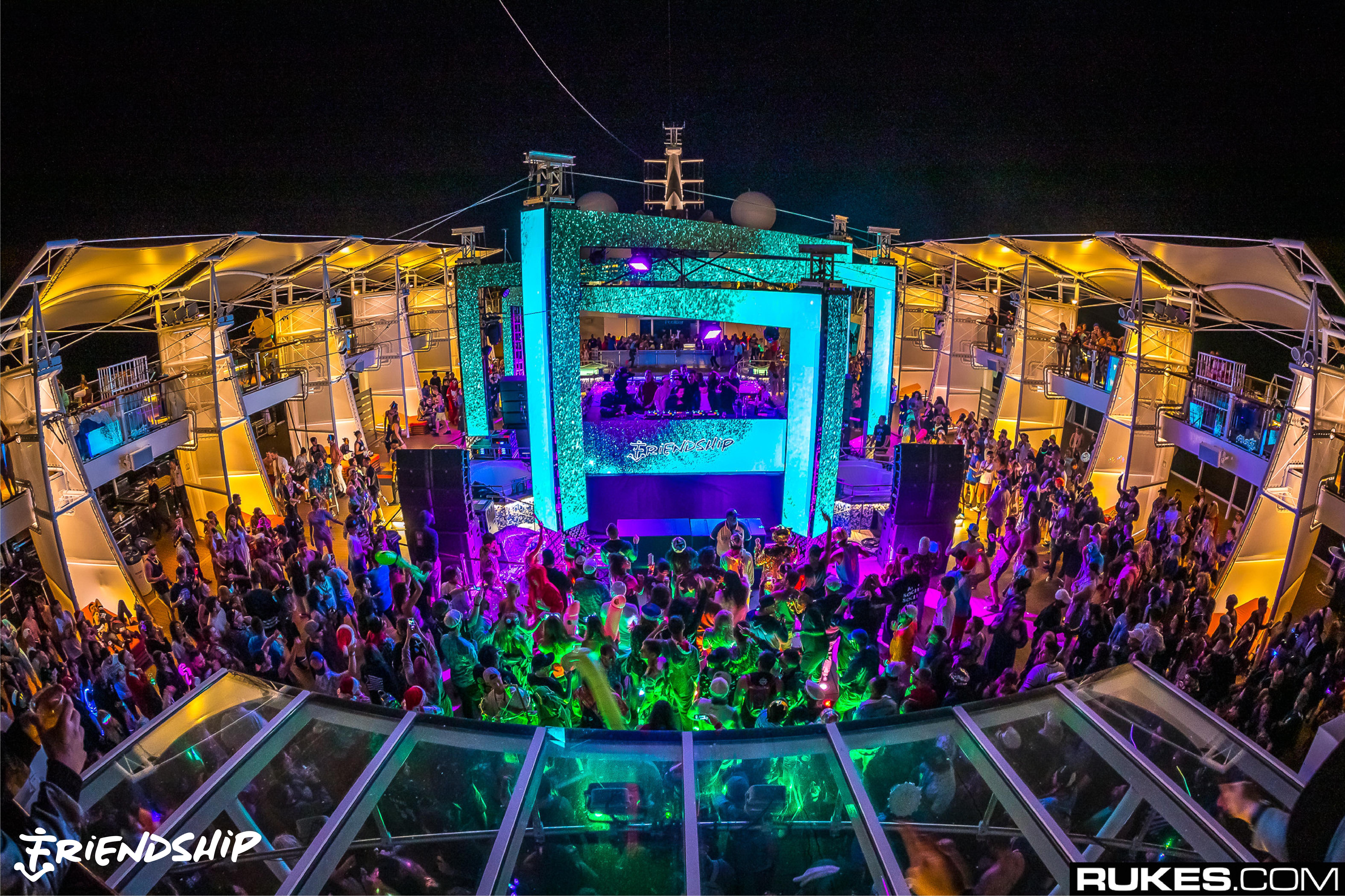 FriendShip 2018 Cruise Ship Outside Rukes