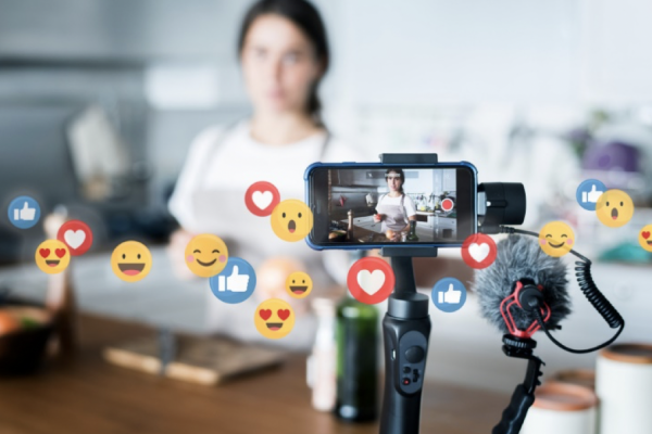 10 Techniques for Getting Your Fans to Tune into Your Live Stream